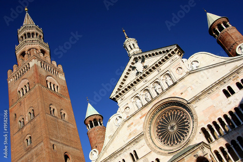 Fotografia, Obraz  duomo cathedral with torrazzo tower, cremona, italy