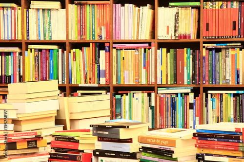 Poster Bibliotheque Library, Bücherwand, Buchgeschäft, Buchladen, Spanien