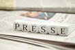 Leinwanddruck Bild - Presse mit Zeitungen