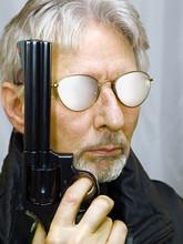 Alter Mann Mit Revolver