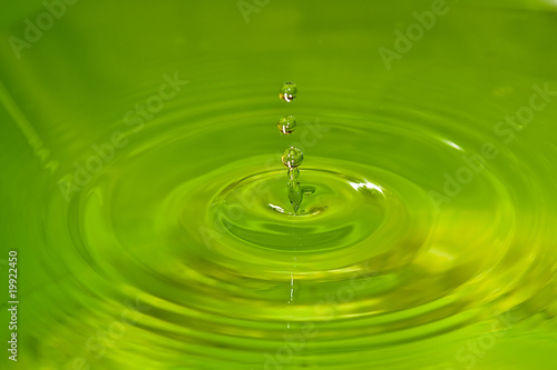 Valokuva  water drop colored