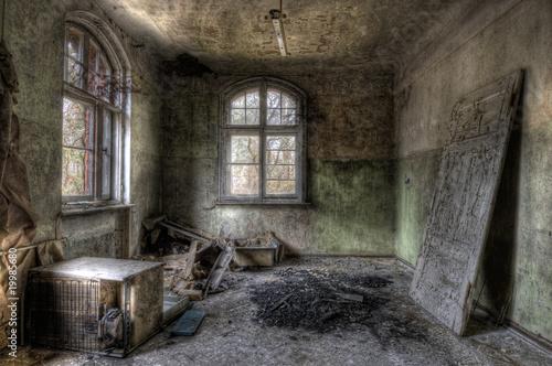 Papiers peints Ancien hôpital Beelitz Tür im Raum
