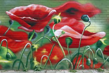 Mohnblumenwiese, Graffiti auf Ziegelwand