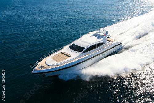 Fotografiet yacht en méditerranée