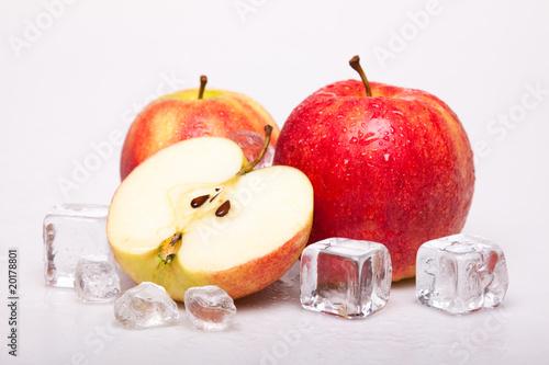 Poster Dans la glace Icy Apples