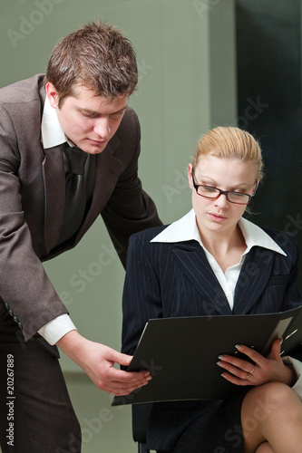 Fotografía  Businesswoman and businessman