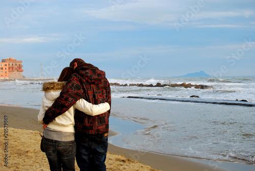 Photo Teneramente abbracciati