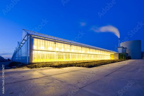 Valokuvatapetti Glasshouse at dusk