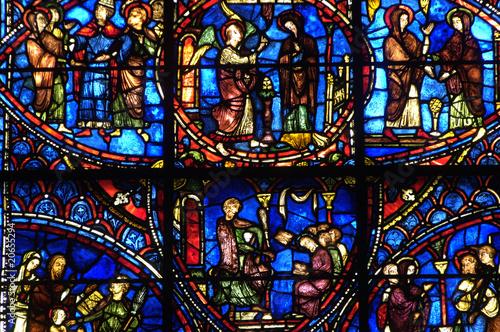 In de dag Stained France, vitraux de la cathédrale de Chartres