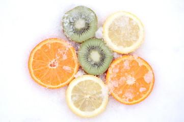 Owoce na śniegu