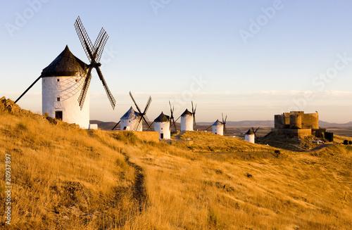 windmills with castle, Consuegra, Castile-La Mancha, Spain