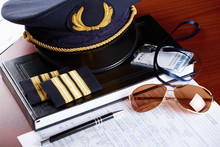 Professional Airline Pilot Equ...