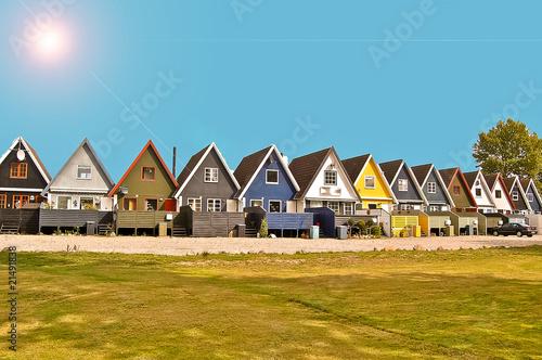 Poster Scandinavie Maisons danoises sous un ciel bleu et soleil