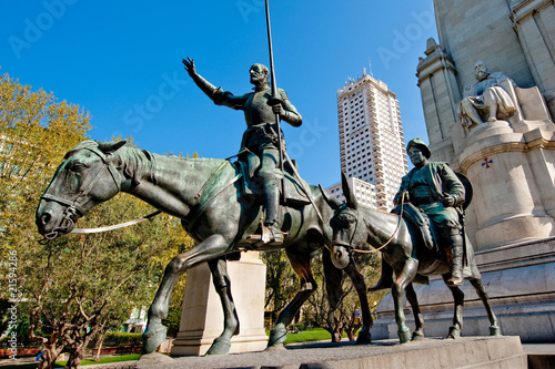 In de dag Madrid Don Quixote, Sancho Panza and Cervantes