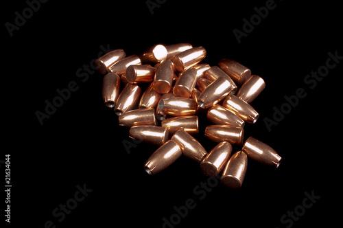 Cuadros en Lienzo  9mm bullets on black