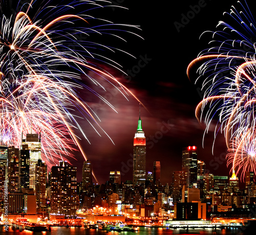 Cadres-photo bureau Pleine lune The New York City skyline and fireworks