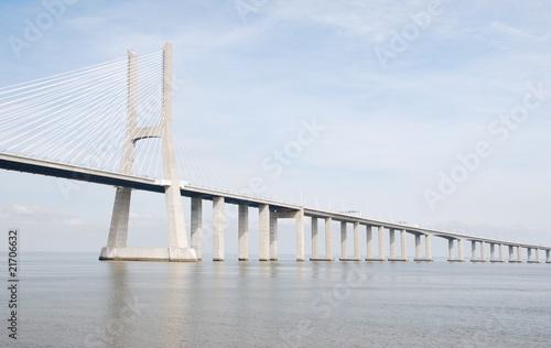Fotografía Vasco da Gama Bridge in Lisbon, Portugal