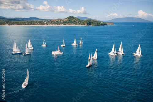 Regatta in indian ocean Canvas-taulu