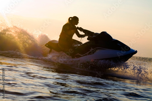 Poster Water Motor sporten beautiful girl riding her jet skis