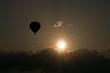 Heissluftballon in Abenddämmerung