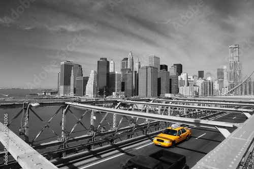 Tuinposter New York TAXI Brooklyn Bridge Taxi, New York