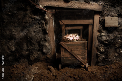 Fotografia, Obraz  old mine and trolley full of brilliant stones