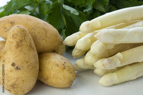 Photo  Neue Kartoffeln und Spargel