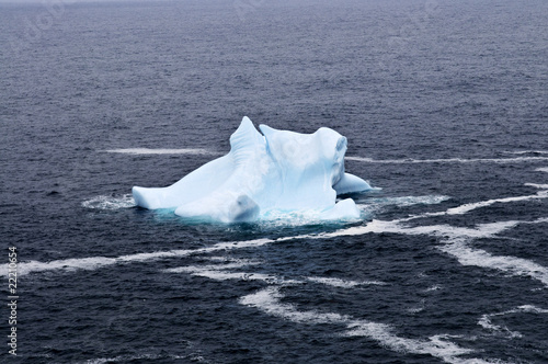 Spoed Foto op Canvas Poolcirkel Melting iceberg