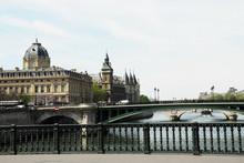 Justizpalast Und Conciergerie Paris