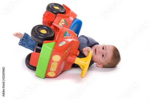 Photo  niño en el suelo