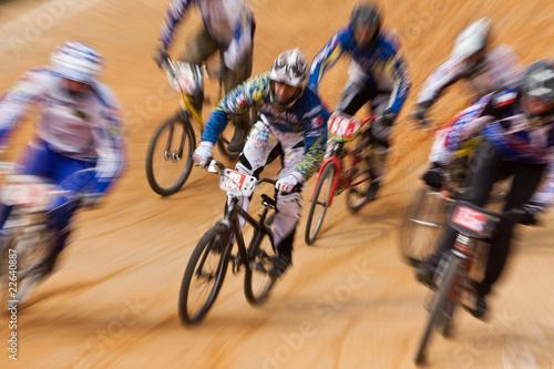 course bicross vélo bmx compétition volonté détermination gagner Fotobehang