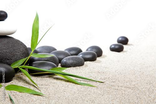 Photo sur Toile Zen pierres a sable Ambiance zen - pierres et bambous