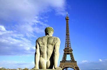 Fototapeta na wymiar Petrified by Tour Eiffel