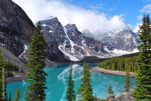 Deurstickers Canada Moraine Lake in Banff National Park, Alberta, Canada