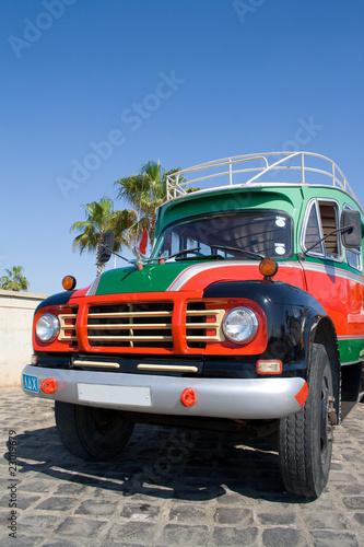 Fotobehang Cubaanse oldtimers Bus