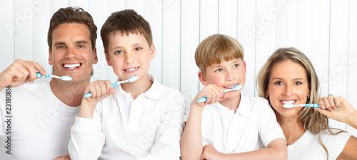 Healthy teeth #23180816