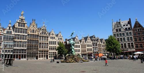 Tuinposter Antwerpen Mittelalterliche Architektur am Grote Markt in Antwerpen