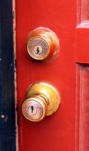 Door Knob With Dead Bolt