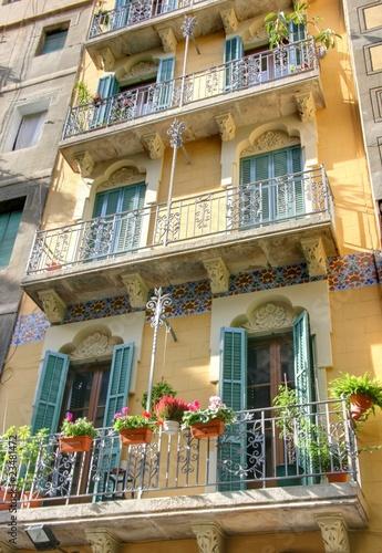 Fotografía  barrio gotico (balcons de vieux immeubles)