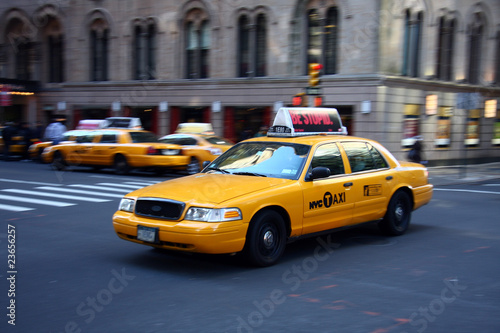 Montage in der Fensternische New York TAXI Yellow Cab