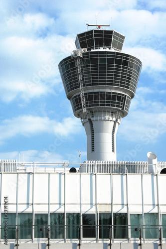 Foto op Plexiglas Luchthaven Flughafen - Tower