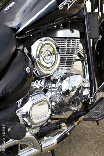 Plakaty motory   chromowany-silnik-motoru-na-ulicy