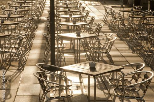 Fototapeta Paryż  stoliki-kawiarniane-w-paryzu