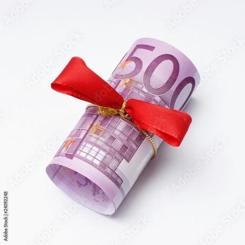 Fotografia  500 euro schein mit schleife