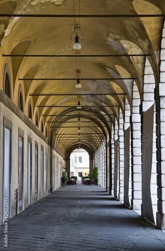 stary-korytarz-architektury-we-wloszech