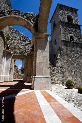 Photo monastero medievale, beni culturali