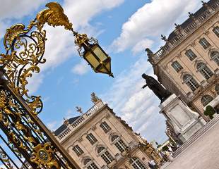 Fototapeta na wymiar Place Stanislas à Nancy en Lorraine