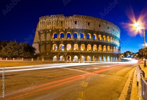 Fotografiet Colosseum in Twilight