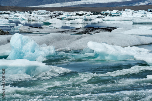 Papiers peints Arctique Icebergs in Icelands Jökulsarlon Bay