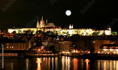 Tuinposter Volle maan The night view of the beautiful Prague City